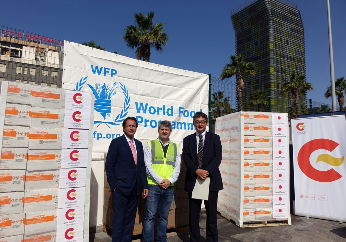 Padrón and Nakajima were today present at the sending of emergency food aid.