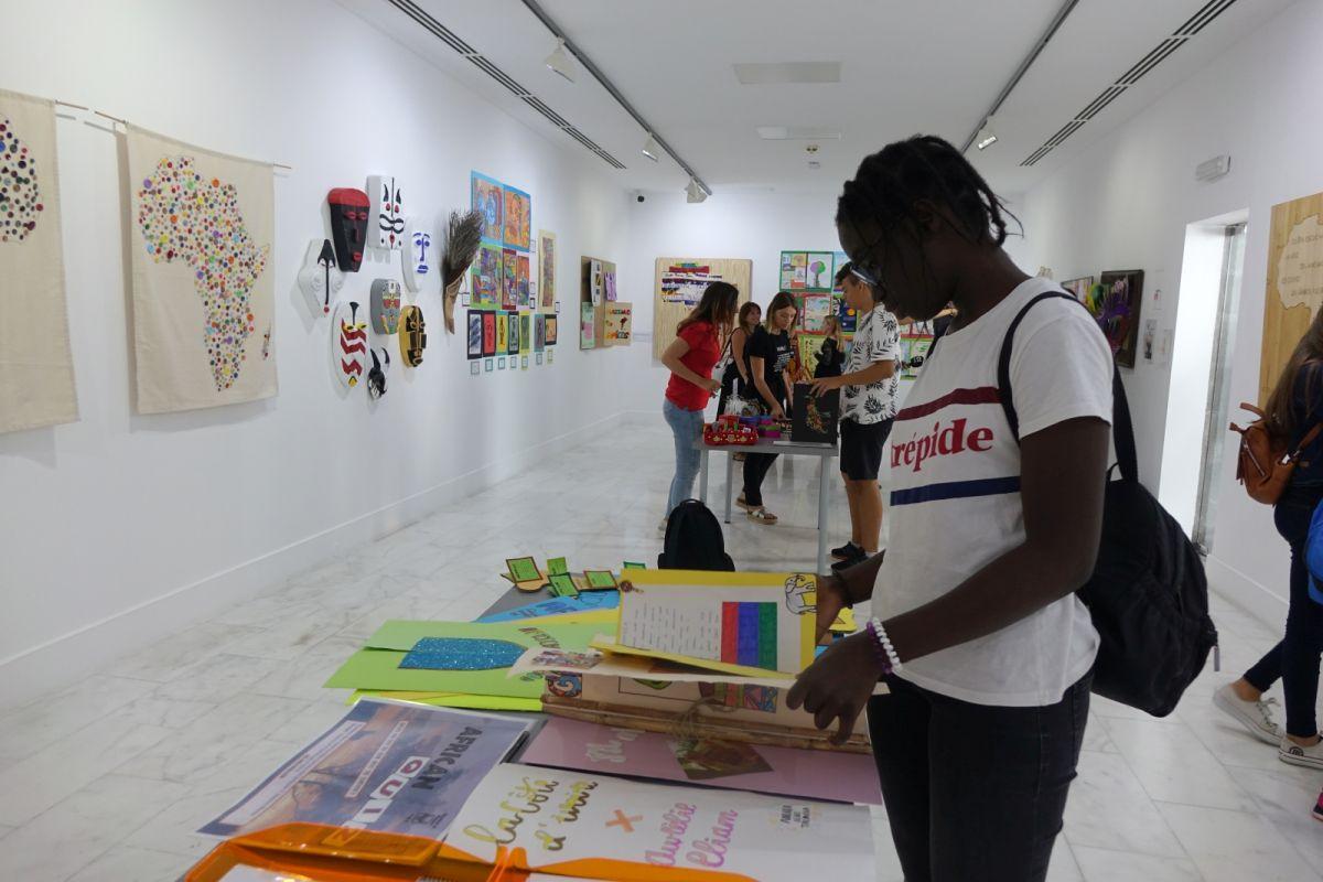 """El proyecto """"Enseñar África"""" cierra su sexto curso y expone sus resultados en Casa África"""