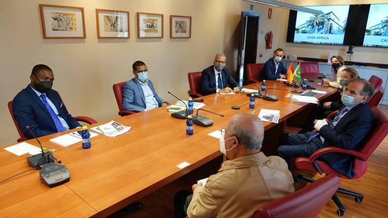 Una delegación mauritana visita Casa África para trabajar su promoción turística