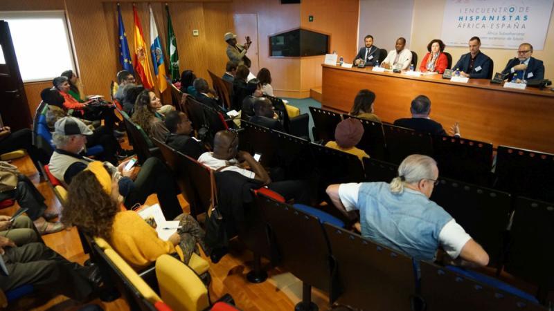Concluye el I Encuentro de Hispanistas África-España reclamando más visibilidad y apoyo institucional al espectacular crecimiento del estudio del español en África