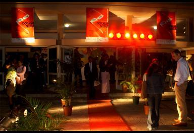 Más de 150 personas asisten a la proyección de 'Africalls?' en Dockanema