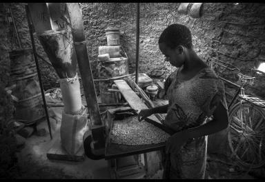 Objetivo África premia trabajos sobre el uso eficiente de los recursos y el valor de la comunidad en el desarrollo social y económico