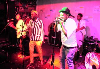 Doce grupos de música sudafricanos aspiran esta semana a conseguir una gira por España