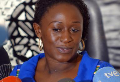 Caddy Adzuba regresa a Casa África para ver la exposición «Mujeres del Congo» y dar una conferencia con Isabel Muñoz