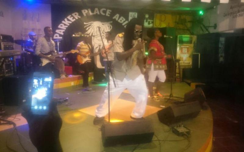 Los balafones de Djarabikan y el reggae de Spyrow, ganadores del Vis a Vis de Casa África en Costa de Marfil