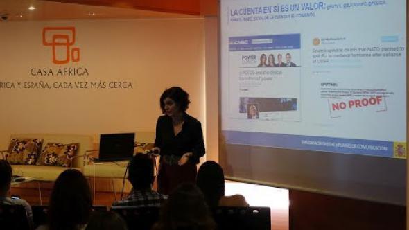 Consuelo Femenía / La estrategia de la política exterior de España para la comunidad en la red